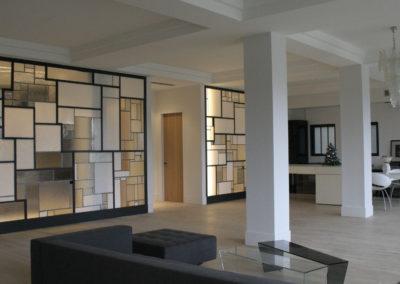 claustra mur rideau verre moucharabieh ON-ME Cloison Créative Lumineuse vitrail - Equilibre - 03.3 réalisation - lumière 0309